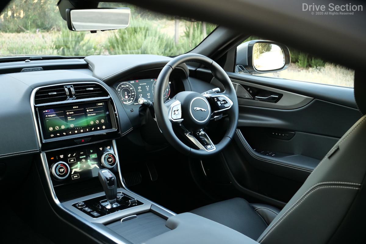 2020 jaguar xe p300 hse r-dynamic review - drive section